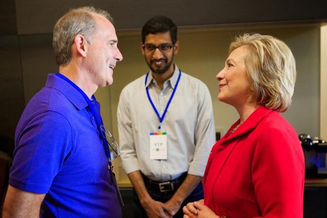 Google Sundar Pichai Photobombs Jonathan Rosenberg & Hillary Clinton