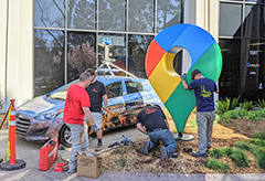 New Google Maps Logo Statue Being Installed