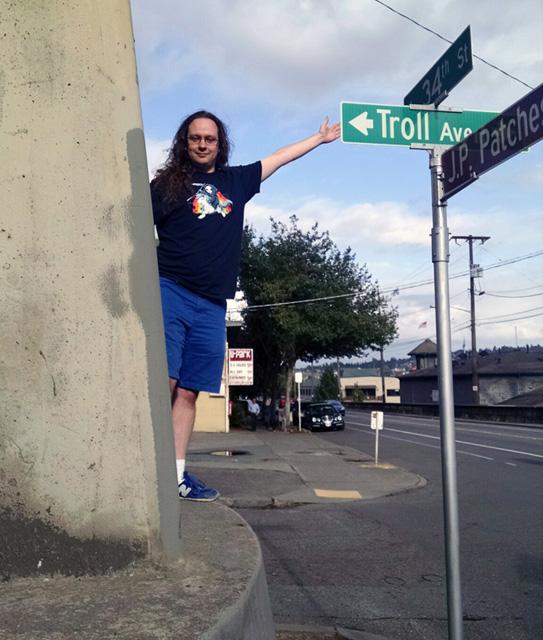 Googler At Troll Avenue
