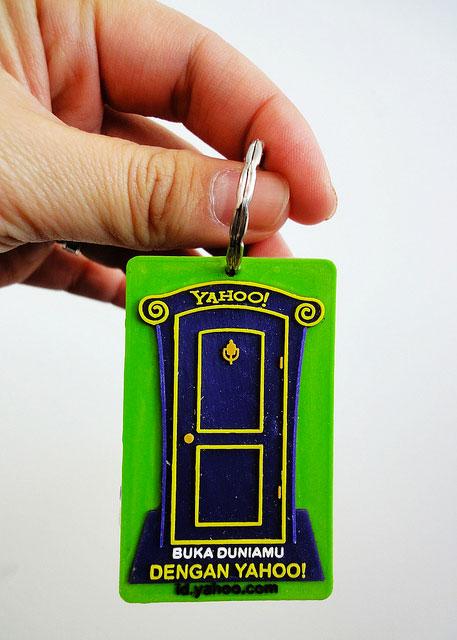 Yahoo Door Keychain