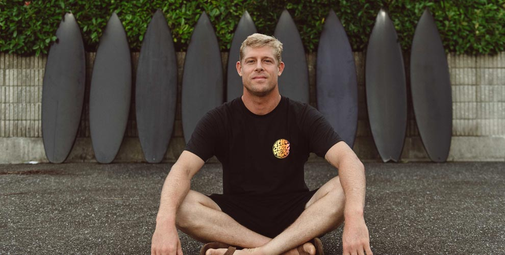 Mick Fanning Stab in the Dark