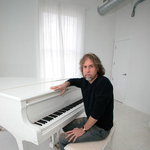 Glen Ballard When Christmas Comes To Town cover art