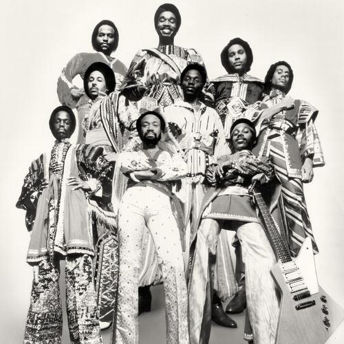 Earth, Wind & Fire Shining Star cover art