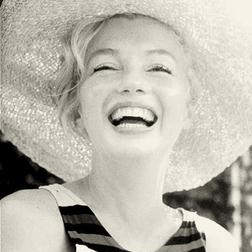 Marilyn Monroe: Diamonds Are A Girl's Best Friend