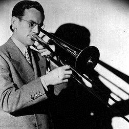 Glenn Miller: The Lady's In Love With You