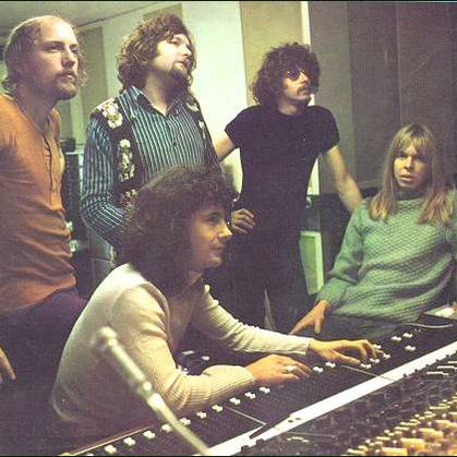 The Strawbs Ringing Down The Years cover art