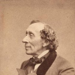 Hans Christian Andersen:Hist, Hyor Vejen Slar En Bugt (There, On Down The Road Ahead)