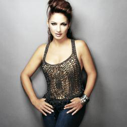 Gloria Estefan: Coming Out Of The Dark