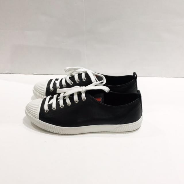Prada Size 38.5 EU Sneaker