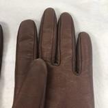 Gloves_167796C.jpg