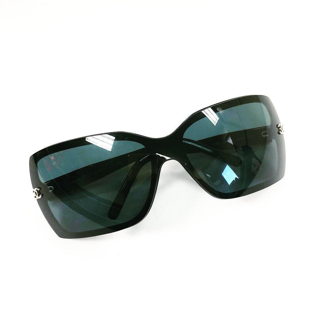 Sunglasses_156790A.jpg