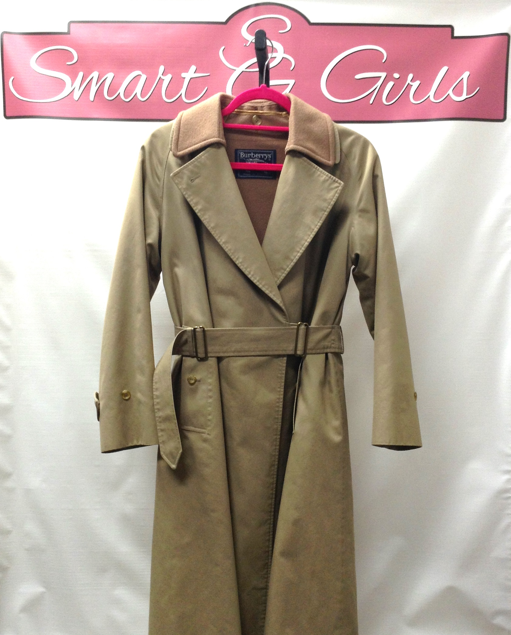 Trenchcoat_241027A.jpg