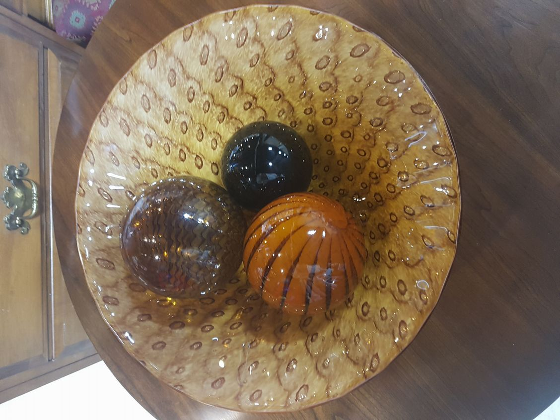 Art-Deco-bowl-with-two-decorative-orbs_5558A.jpg
