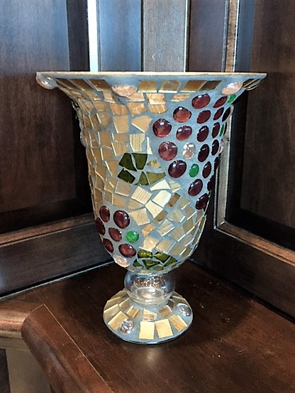 Glass-Vase-with-Grape-Accents_2354A.jpg