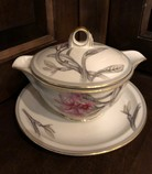 Gravy-Boat-with-Lid_6294A.jpg