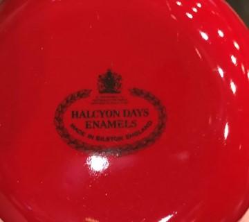 Halcyon-Days-Enamel-Trinket--Pill-Box_6488B.jpg