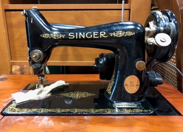Old-Singer-Sewing-Machine-in-Cabinet.--About-1948_6839B.jpg