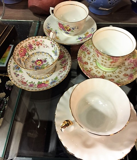 Tea-Cup-and-Saucer---Several-different-colorsstyles_4126C.jpg