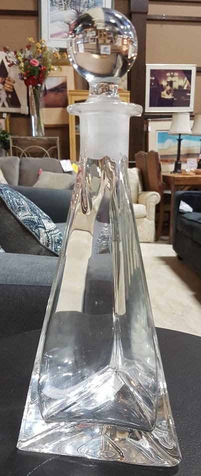 Triangular-Glass-Decanter_5967A.jpg