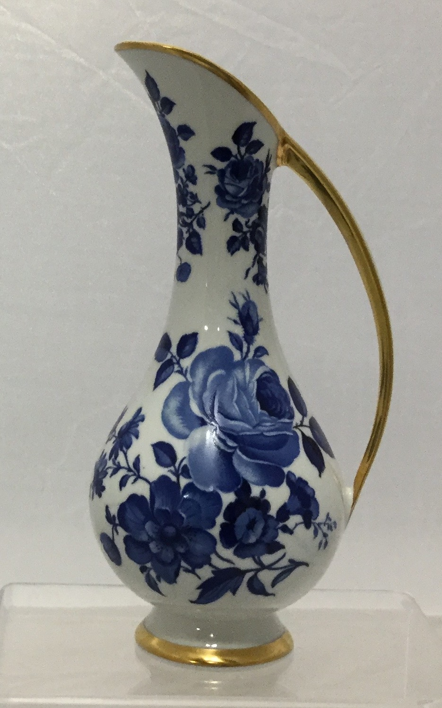Blue--White-Delft-Pitcher_58094A.jpg
