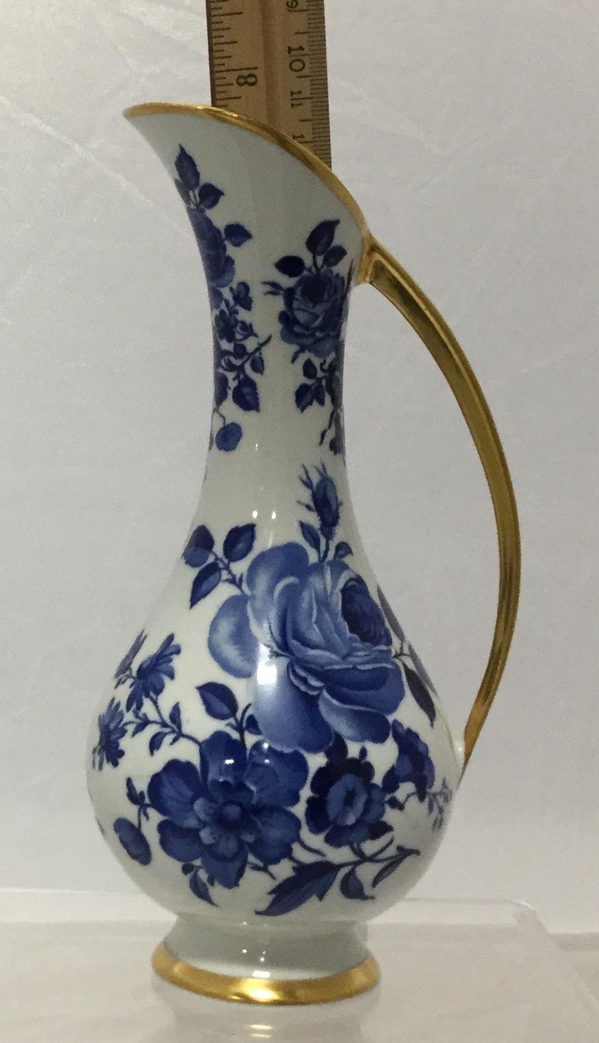 Blue--White-Delft-Pitcher_58094F.jpg