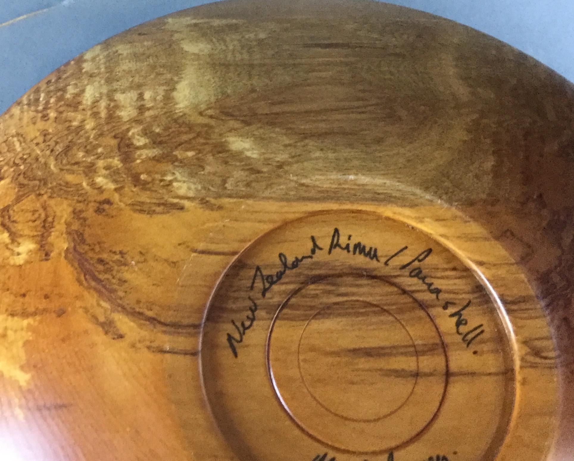 Turned-Wood-Bowl-from-New-Zealand_60843K.jpg