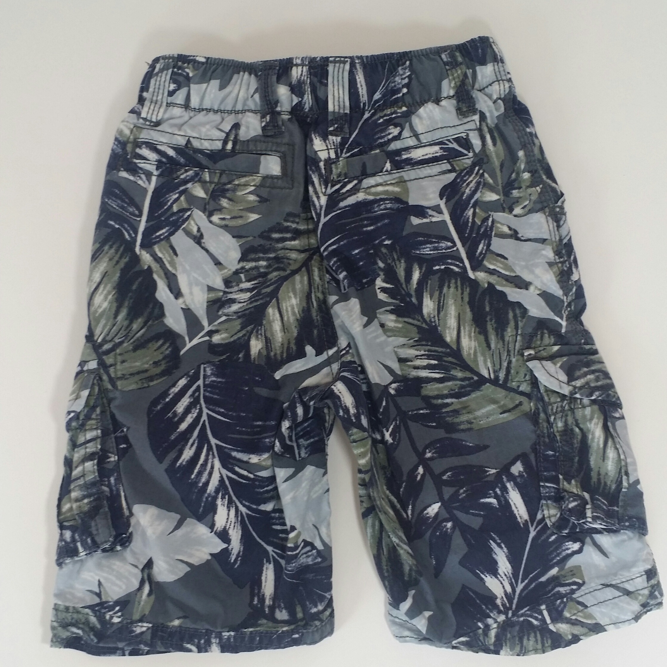 Gap-3-YEARS-Hawaiian-Shorts_2154313C.jpg