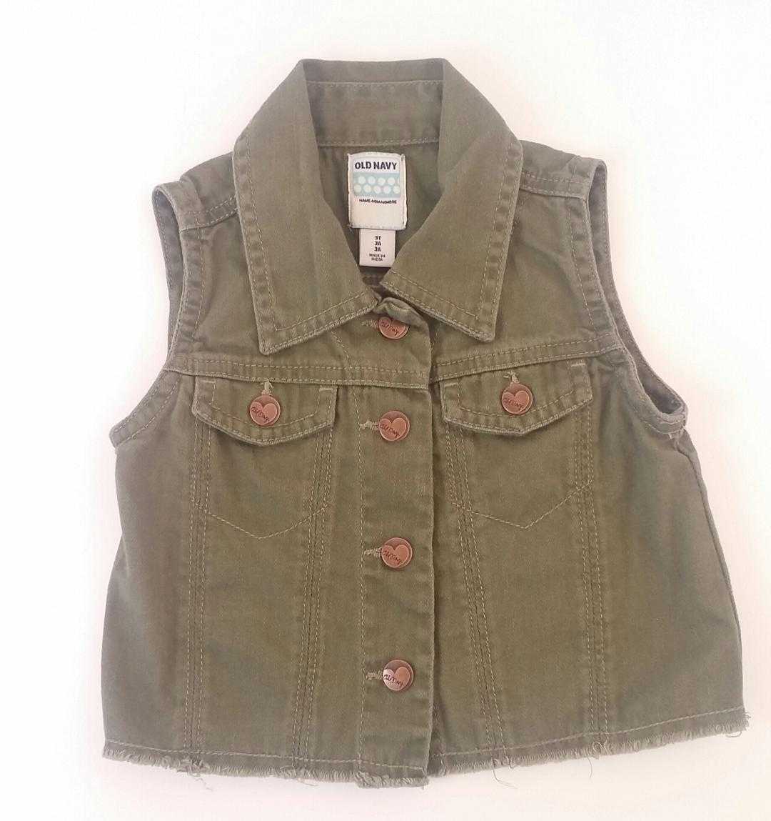 Old-Navy.-3-YEARS-Vest_2053484A.jpg