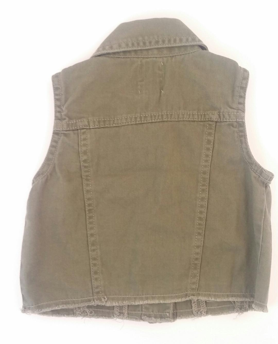 Old-Navy.-3-YEARS-Vest_2053484B.jpg
