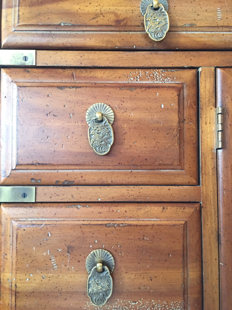 Dresser-Armoire_30666B.jpg
