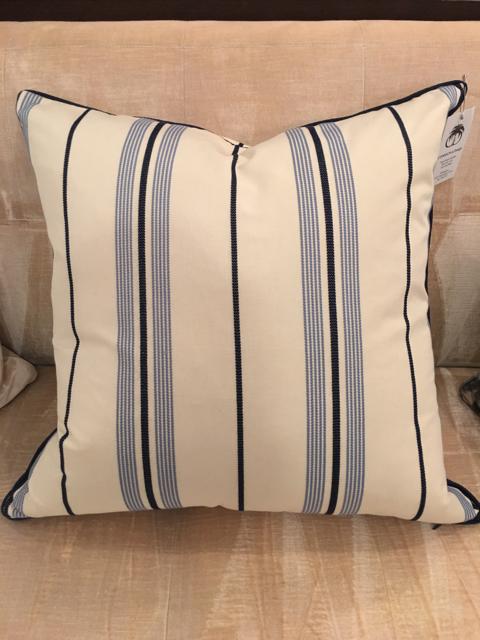Pillow_28712A.jpg