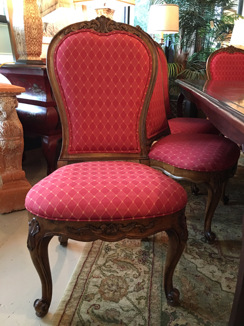 Table--Chairs_30616E.jpg
