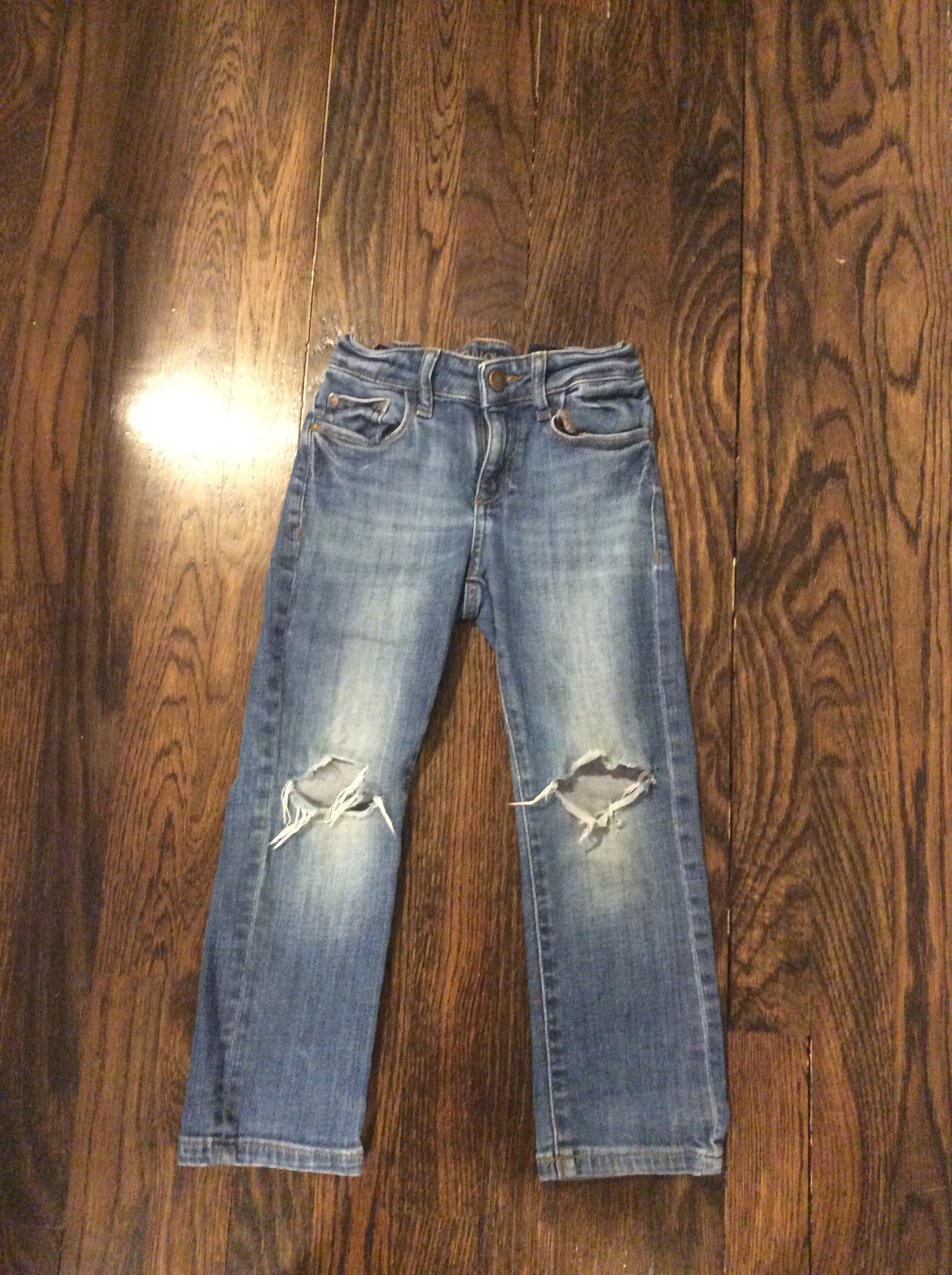 DL1961-Size-5-Denim-Jeans_3197A.jpg