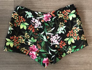 Ella-Moss-Size-78-Black-Shorts_9434B.jpg