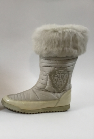 4ffcd481afc7 Gucci Size 35.5 White Hysteria Snow Boots with Fur Trim