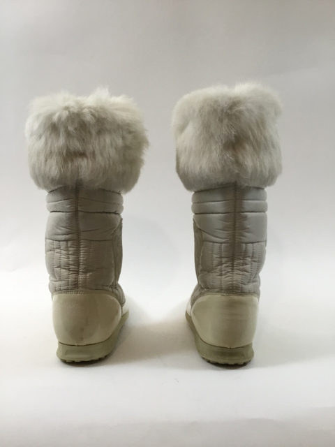 Gucci-Size-35.5-White-Hysteria-Snow-Boots-with-Fur-Trim_9828C.jpg