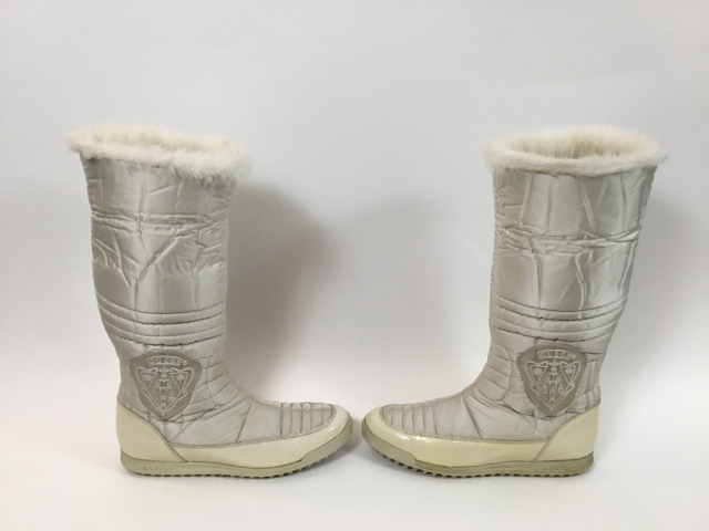 Gucci-Size-35.5-White-Hysteria-Snow-Boots-with-Fur-Trim_9828G.jpg
