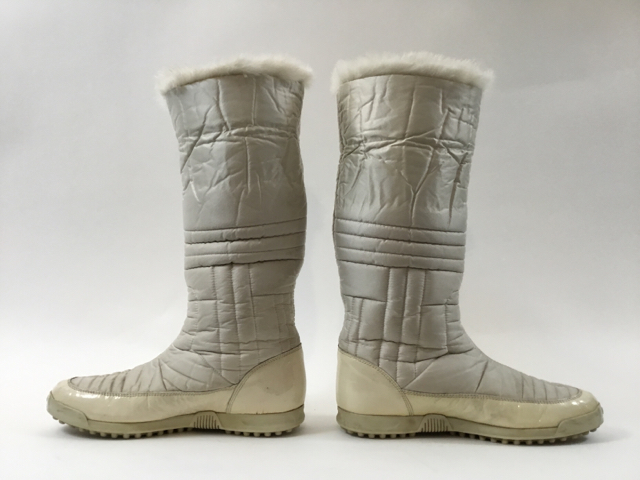 Gucci-Size-35.5-White-Hysteria-Snow-Boots-with-Fur-Trim_9828H.jpg