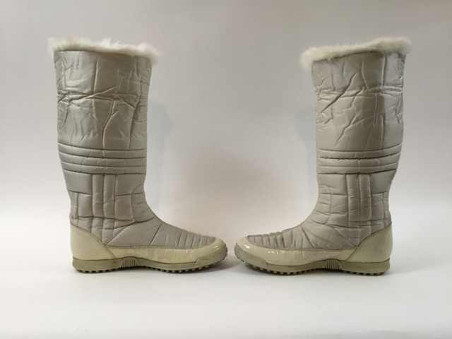 Gucci-Size-35.5-White-Hysteria-Snow-Boots-with-Fur-Trim_9828N.jpg