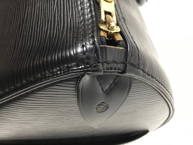 Louis-Vuitton-Large-EPI-Speedy-25-Black-Purse_9677J.jpg
