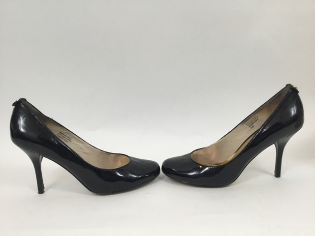 Michael-Kors-7.5-Black-Pumps_10308E.jpg
