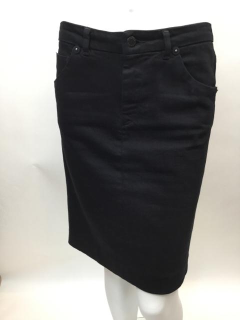 Prada-Size-40-Black-Skirt_10625A.jpg