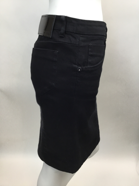 Prada-Size-40-Black-Skirt_10625C.jpg