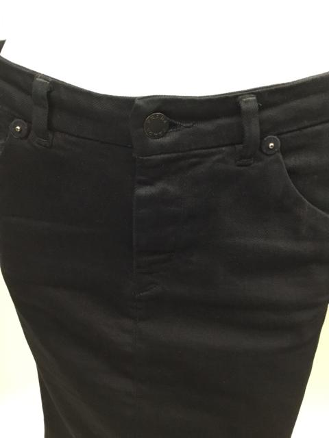 Prada-Size-40-Black-Skirt_10625E.jpg