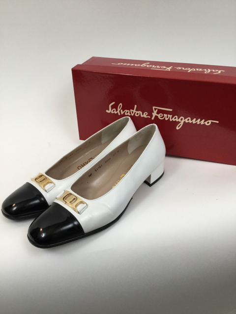 Salvatore-Ferragamo-7.5-B-Black--White-Pumps_7913A.jpg