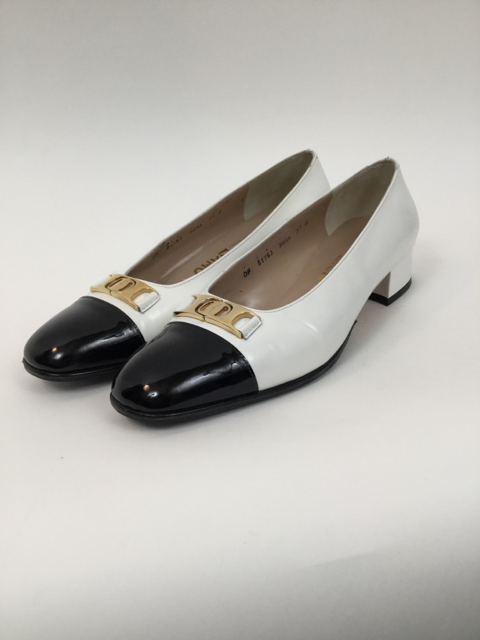 Salvatore-Ferragamo-7.5-B-Black--White-Pumps_7913B.jpg