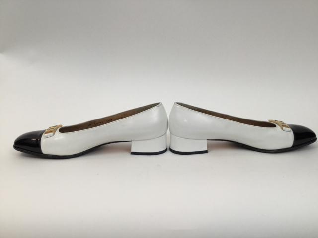 Salvatore-Ferragamo-7.5-B-Black--White-Pumps_7913E.jpg