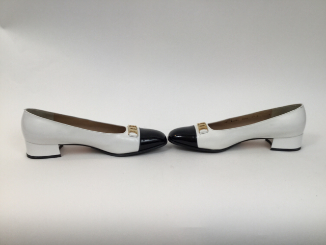 Salvatore-Ferragamo-7.5-B-Black--White-Pumps_7913F.jpg