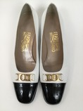 Salvatore-Ferragamo-7.5-B-Black--White-Pumps_7913D.jpg