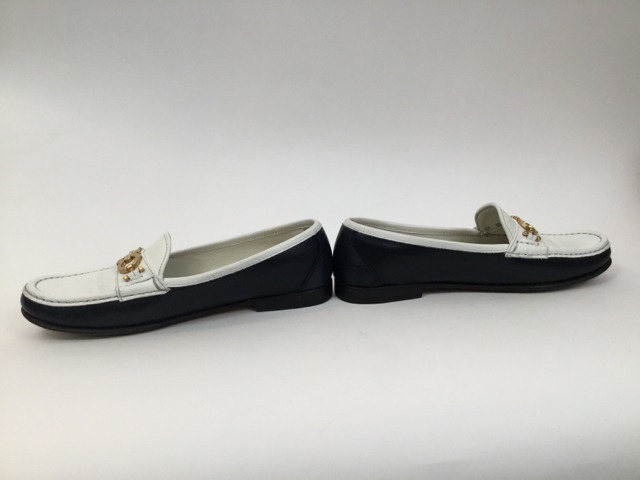 Salvatore-Ferragamo-8-B-Navy--White-Loafers_7929D.jpg